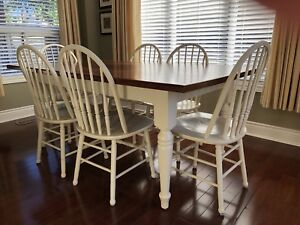 Solid oak harvest table and 6 solid oak chairs