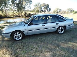 HSV CLUBSPORT VN  V8 AUTO  LSD 1990 build No. 31 Warwick Southern Downs Preview