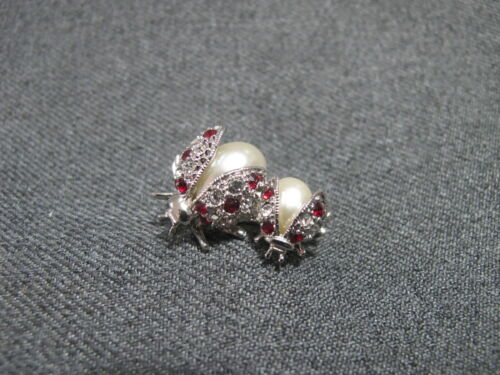 Vintage faux pearl belly ruby color & clear rhinestones silvertone ladybugs pin