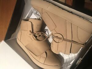 Also shoes size 9.5