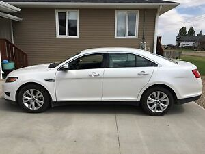 **REDUCED** 2011 Ford Taurus SEL awd