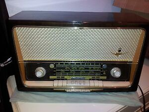VINTAGE GRUNDIG MAJESTIC  GERMAN TUBE AM-FM STEREO 5088