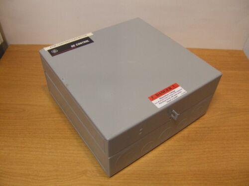 GE Lighting Contactor CR460B Enclosure CR460XE-1B Relay Control Box 120V Coil