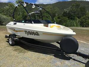 Bowrider ski and wakeboarding boat Goldsborough Cairns Surrounds Preview