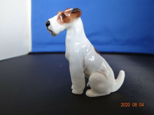 Royal Doulton Seated Fox Terrier K-8 1931-1977 (Retired) Mint Cond.