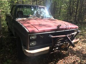83 Chevy blazer removable top with plow.