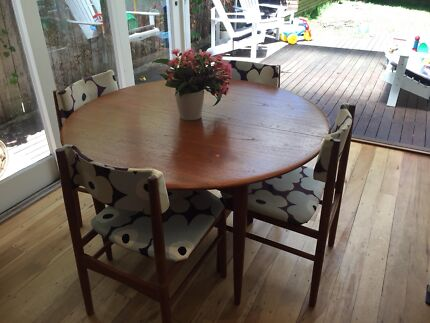 round solid timber extendable in Sydney Region NSW Dining Tables