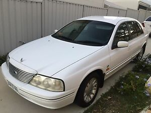 1999 AU 6cyl White Ford Fairlane Ghia Wembley Downs Stirling Area Preview