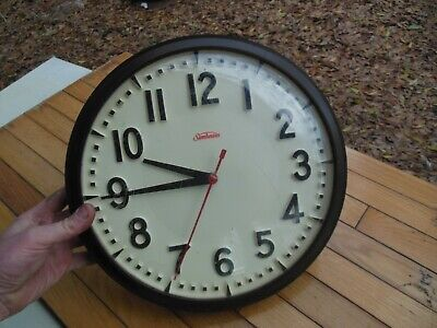Vintage Sunbeam Plastic Wall Clock Round Brown / Ivory Model 84-38 Schoolhouse