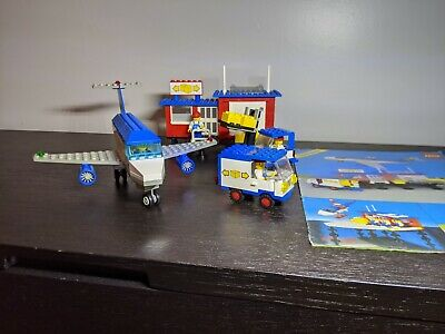 Complete Lego set 6377 Delivery Center with Instructions, Classic Town, 1985