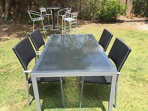 Dining Table MAKE A OFFER Ashmore Gold Coast City Preview