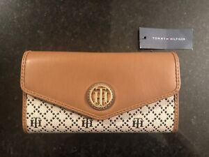 NEW wallet (price tag still attached!)
