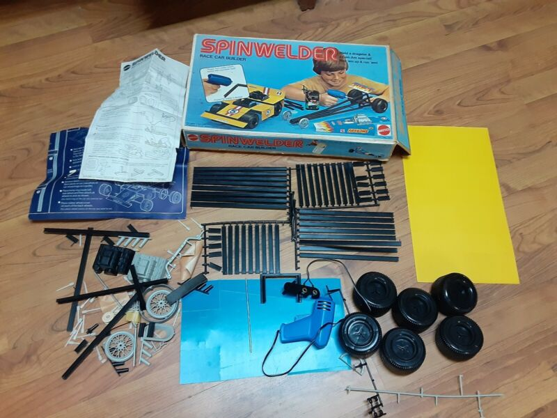 VINTAGE 1974 MATTEL SPIN WELDER RACE CAR BUILDER TOY SET & ORIGINAL BOX   *RARE*