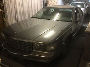 Cadillac model brougham 1994