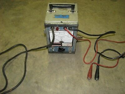 Associated Research Hypot 411 Tester Unit 75 Va Capacity 115 Volt Ac