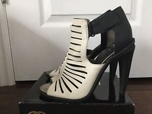 CIRCUS by SAM ELDEMAN Black and White Leather Sandals sz 39/9