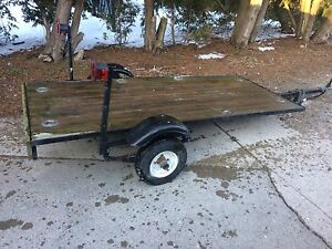 Small flatbed tilt Trailer