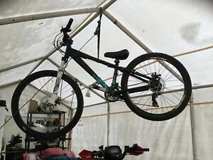 2009 Kona dirt jumper Mountain bike 300$