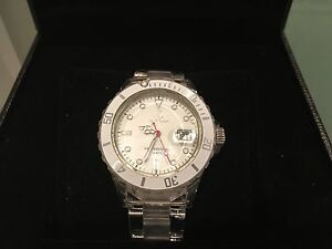 AUTHENTIC 'TOYWATCH' BRAND ICONIC WATCH +CERT/BOX & ALL! Glen Waverley Monash Area Preview