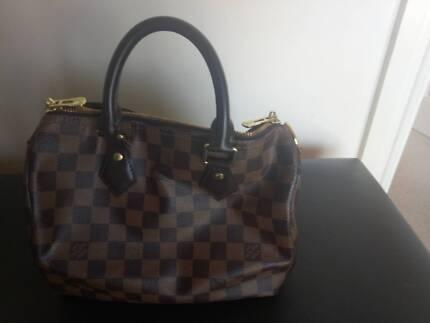 Authentic Louis Vuitton green Epi handbag  08452198014fc