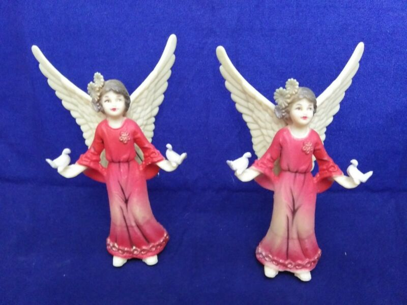 "2-ANGELS VINTAGE ORNAMENT 4 1/2"" PLASTIC RED HOLDING DOVES"