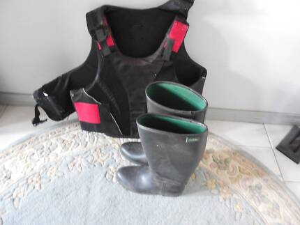 Large Dublin vest and size 41 Dublin riding boots (size 9) Shelly Beach Wyong Area Preview