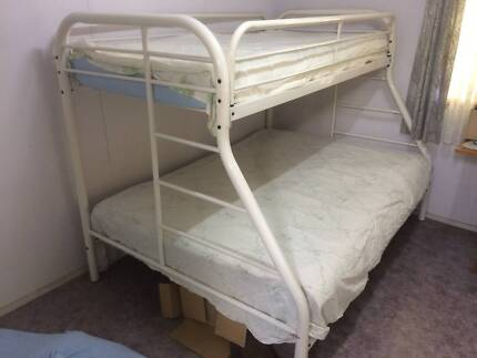 Triple bunk bed in excellent condition