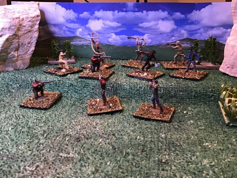 Western Cowboys (10) 1/72 Scale or 20mm