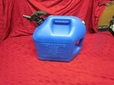 Blitz 5 Gallon Plastic Kerosene Fuel Gas Can