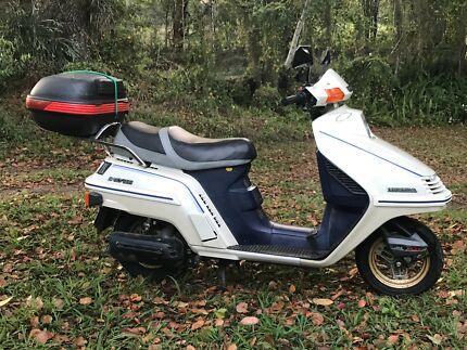 Honda Spacy 250 scooter (with spare bike for parts)
