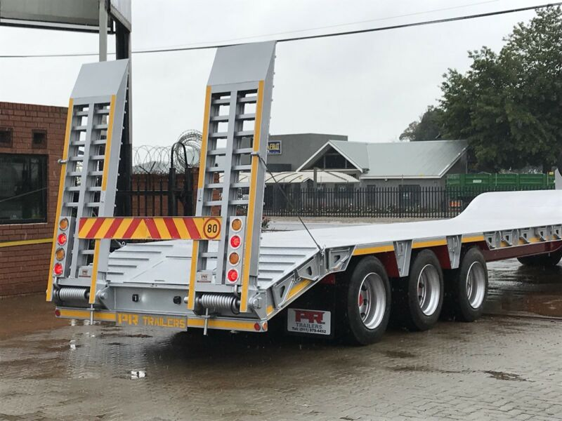 New PR trailer low bed step deck