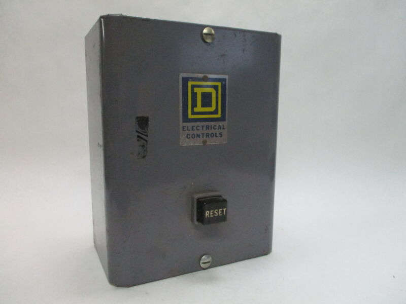 Square D 8736A0-2 Series C Starter w/ 8736 NEMA 00 Enclosure 115-230V 1/2-3/4HP