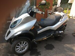 Moto Scooter Piaggio MP3 500cc