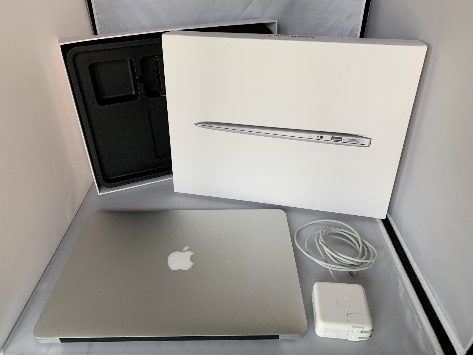 "2017 Apple MacBook Air 13.3"" Laptop 128GB MQD32LL/A 1.8GHz i5 8GB GREAT LOW CELL"