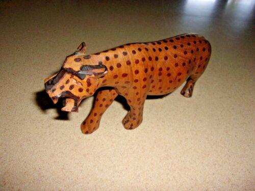 """Carved wooden spotted jaguar leopard  cat 7.5"""" long 4"""" tall. NICE"""