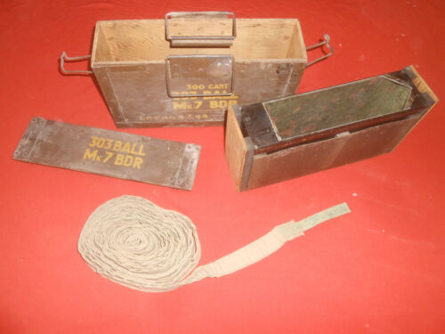 BRITISH ARMY:1943 VICKERS.303 M.G. cloth belt, 250 rounds & Wooden AmmoBox 1945