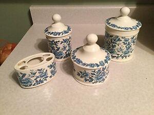 7 pièces porcelaine