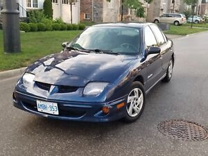 2000 Pontiac Sunfire Sedan - Only 127,000 km