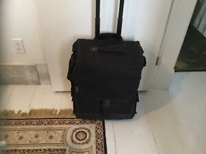 JEWELLERY OR GEMS OR BEAD SUITCASE