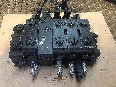 New Parker V20 Hydraulic Solenoid Directional Control Block V20-10410-f 4-spool