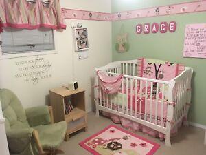 Little girl crib set