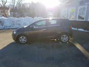 2014 Chevrolet Sonic LT Auto AUTO! BT! HEATED SEATS! OWN FOR...