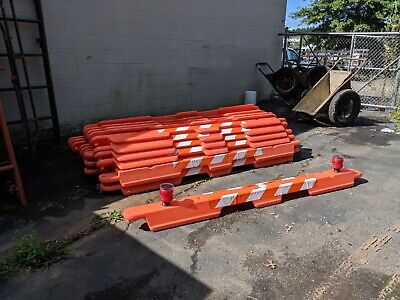 Airfield Solutions - 20 Construction Barricades And 60 Solar Lights