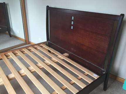 Queen Bed Frame - good condition