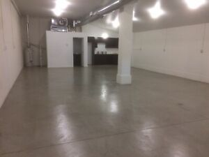Shop space for rent in Dundas