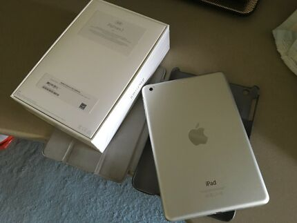 iPad mini 2 Wifi 32GB Silver - near NEW !