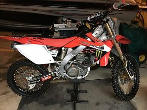 Crf250r showroom