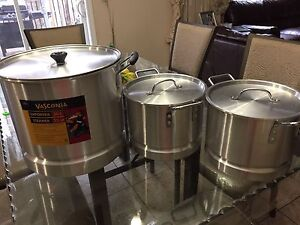 Cooking pots like new all three for 45$