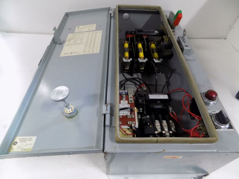 GENERAL ELECTRIC 300 LINE CONTROL TYPE 12 ENCLOSURE 55-201262P010
