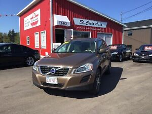 2012 Volvo XC60 T6 R-Design Premier Plus, Leather,Heated, Sunroo